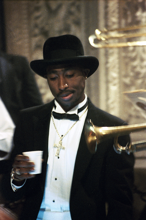 Style Icon: Tupac – LOVE | STYLE